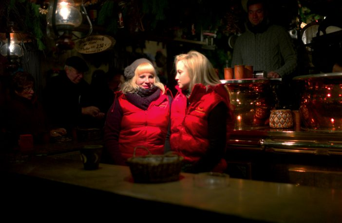 girls gluhwein