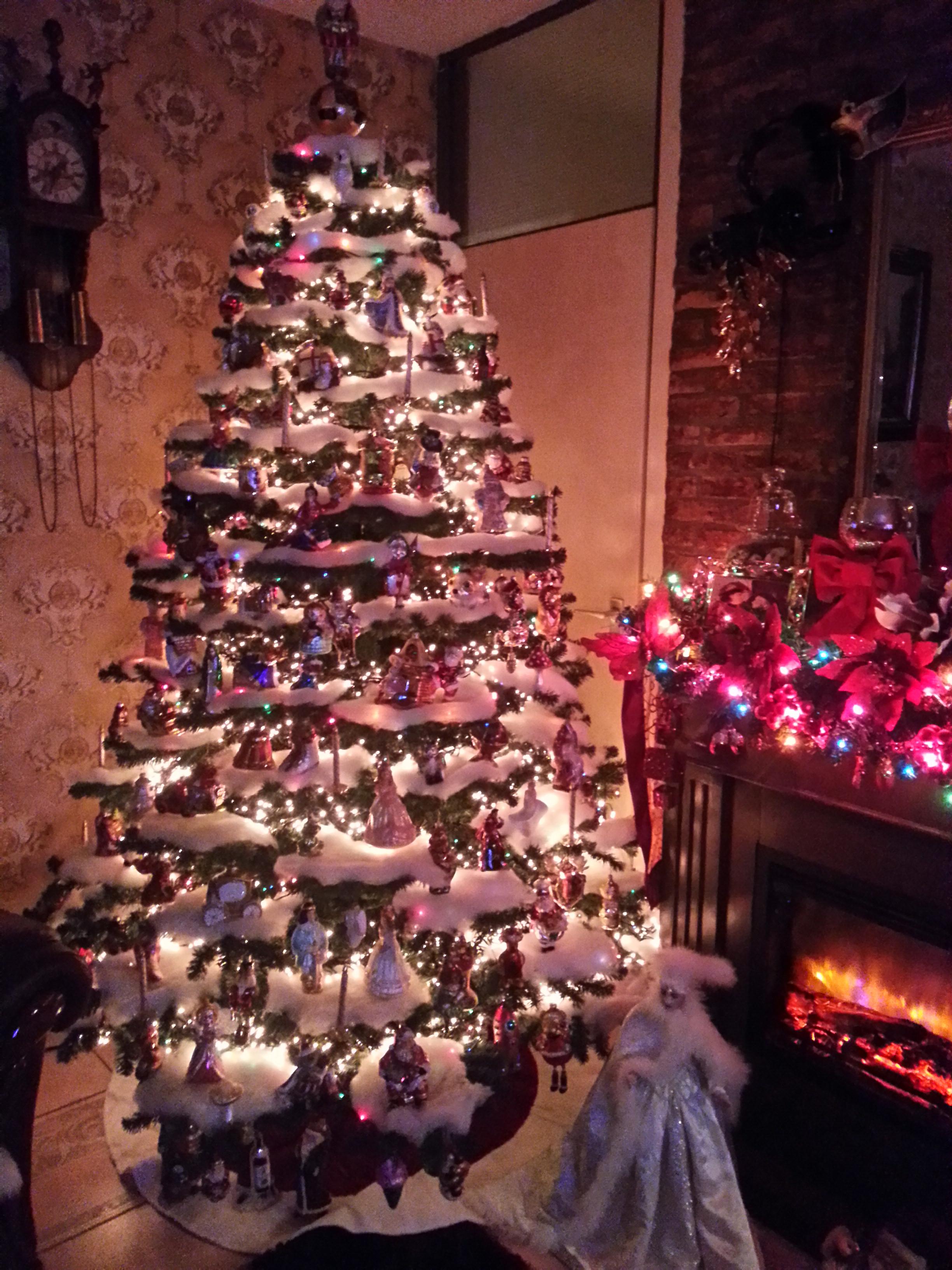 De kerstboom versieren   tips en trucs op de kerstboom mooi op/in ...