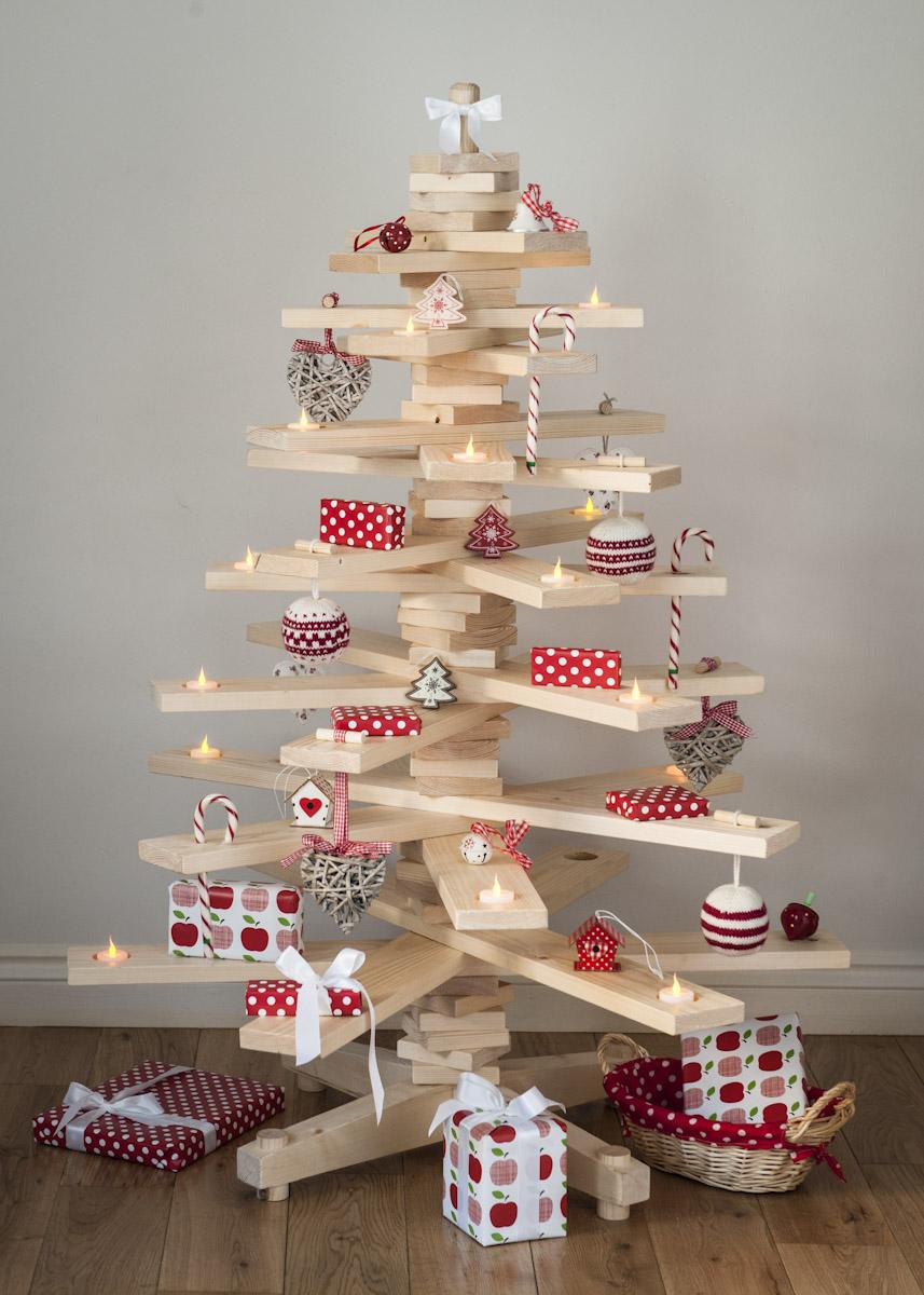 Houten kerstboom zelf maken 5 manieren m t beschrijving - Versieren van een muur in ...
