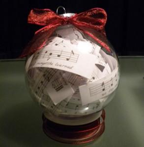 glazen kerstbal vullen 6