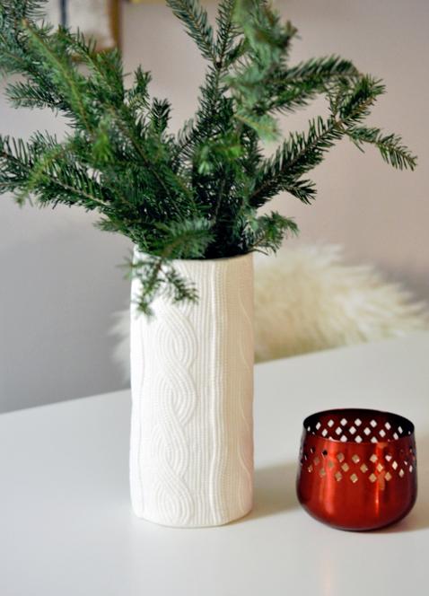 Instant kerstsfeer: kersttakken in een vaas - Christmaholic.nl