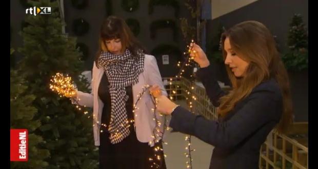 Zo zet je de kerstboom op zonder ruzie - RTL Nieuws.clipular