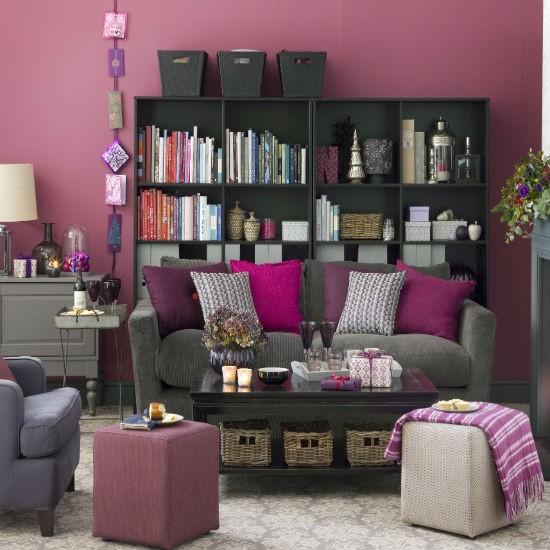 Huiskamer versieren met kerst in roze paars Purple brown living room