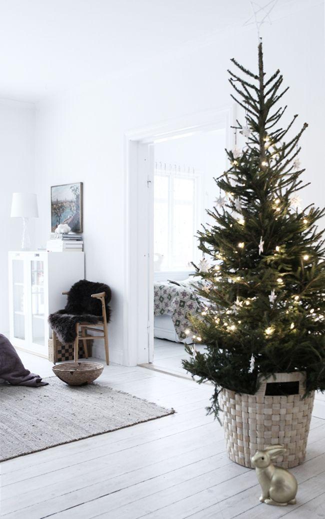 kerstboom ideetjes om de stam te bedekken   christmaholic nl