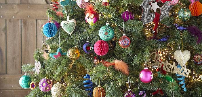 Xenos Kerstcollectie Van Kleurrijk Etnisch Tot Goud Hout