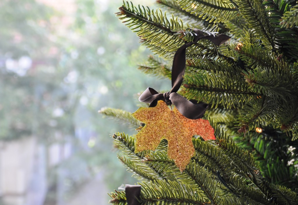 herfstbladeren in kerstboom diy