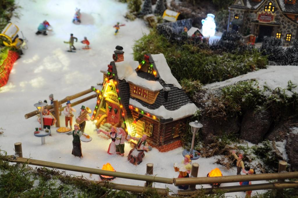 Kersthuisjes kerstshow kerstdorpjes Intratuin Duiven 2015