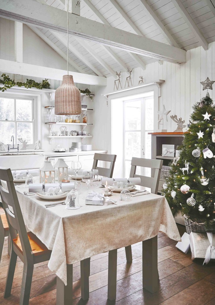 Pure & White Dining