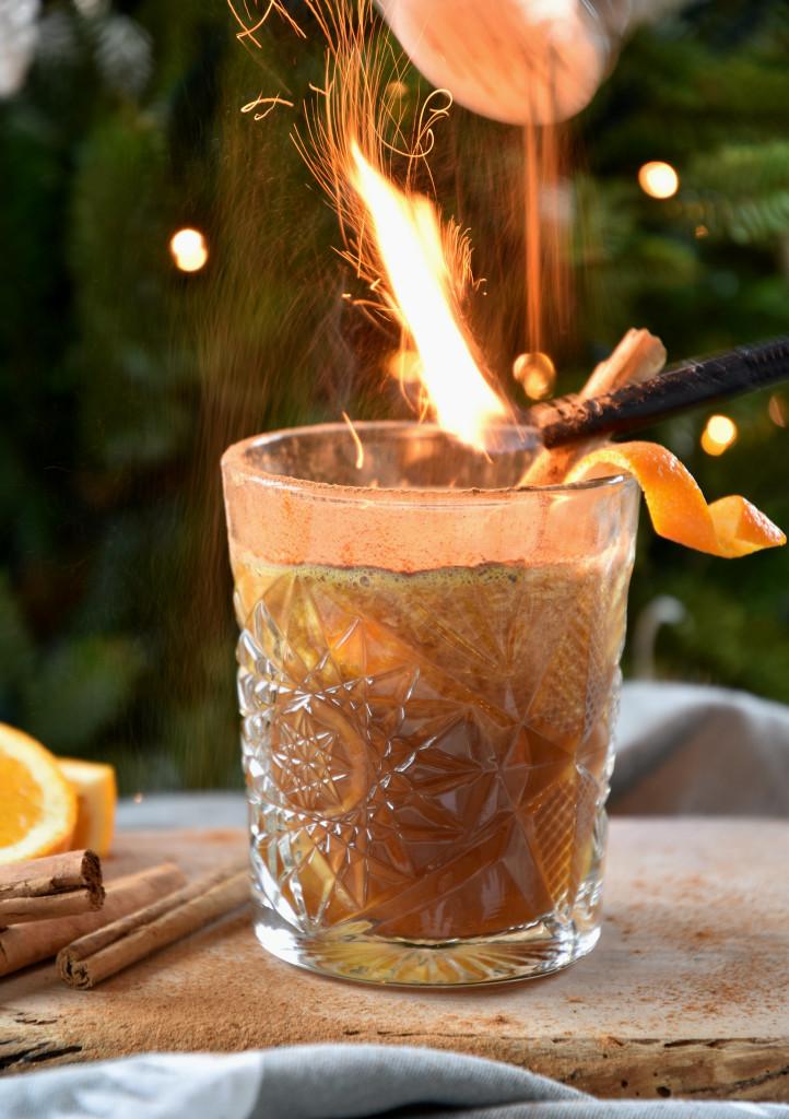 kaneel koffie sinaasappel spelen met vuur