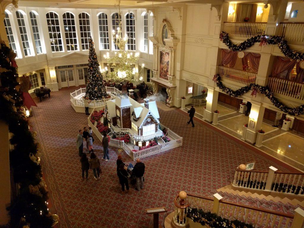 Disneyland Hotel Lobby Kerst 2015