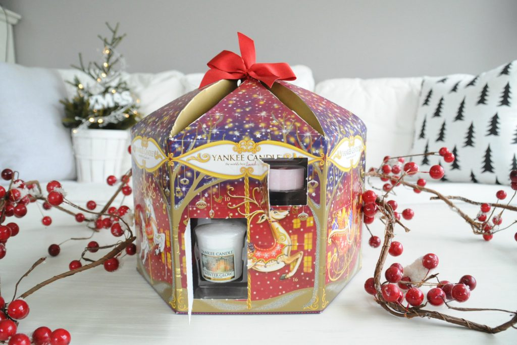 yankee-candle-christmas-calender-open-doors
