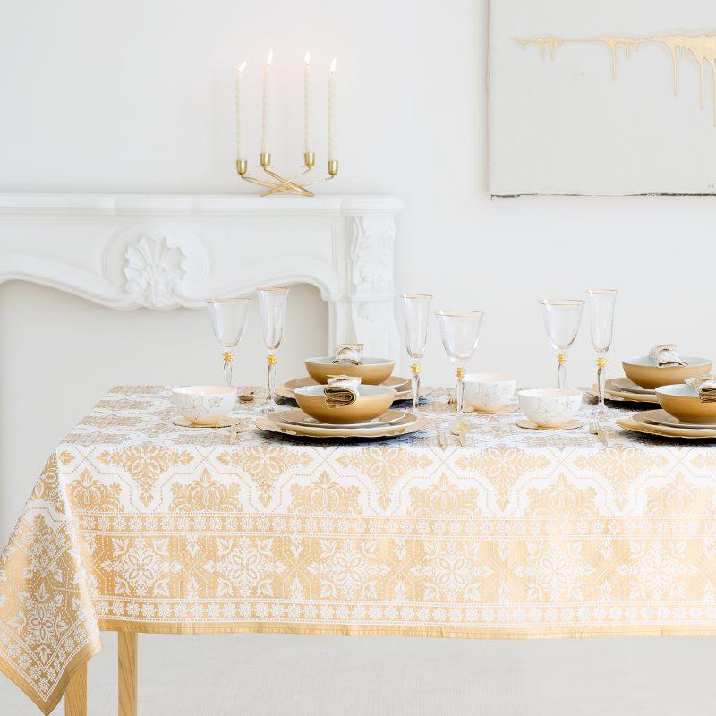 Kerst tafel dekken met veel goud for Tovaglie zara home