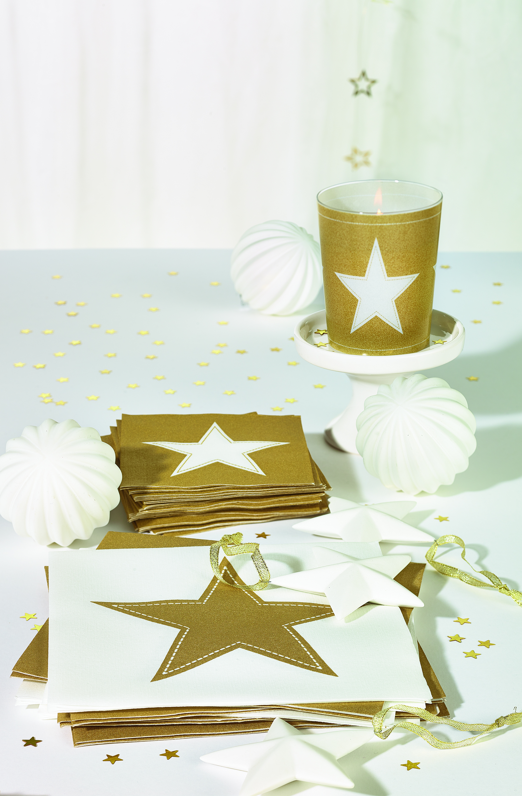 Kerst tafel dekken met veel goud! - Christmaholic.nl