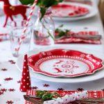 Traditionele kersttafel dekken