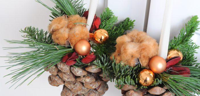 Kerststukje maken van hangende dennenappel