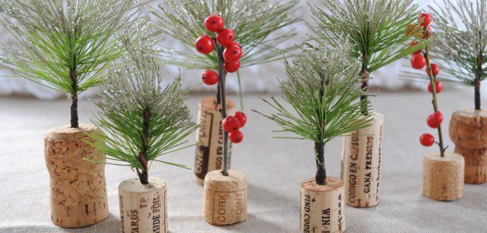 Mini kerstboompjes maken van kurk & guirlande