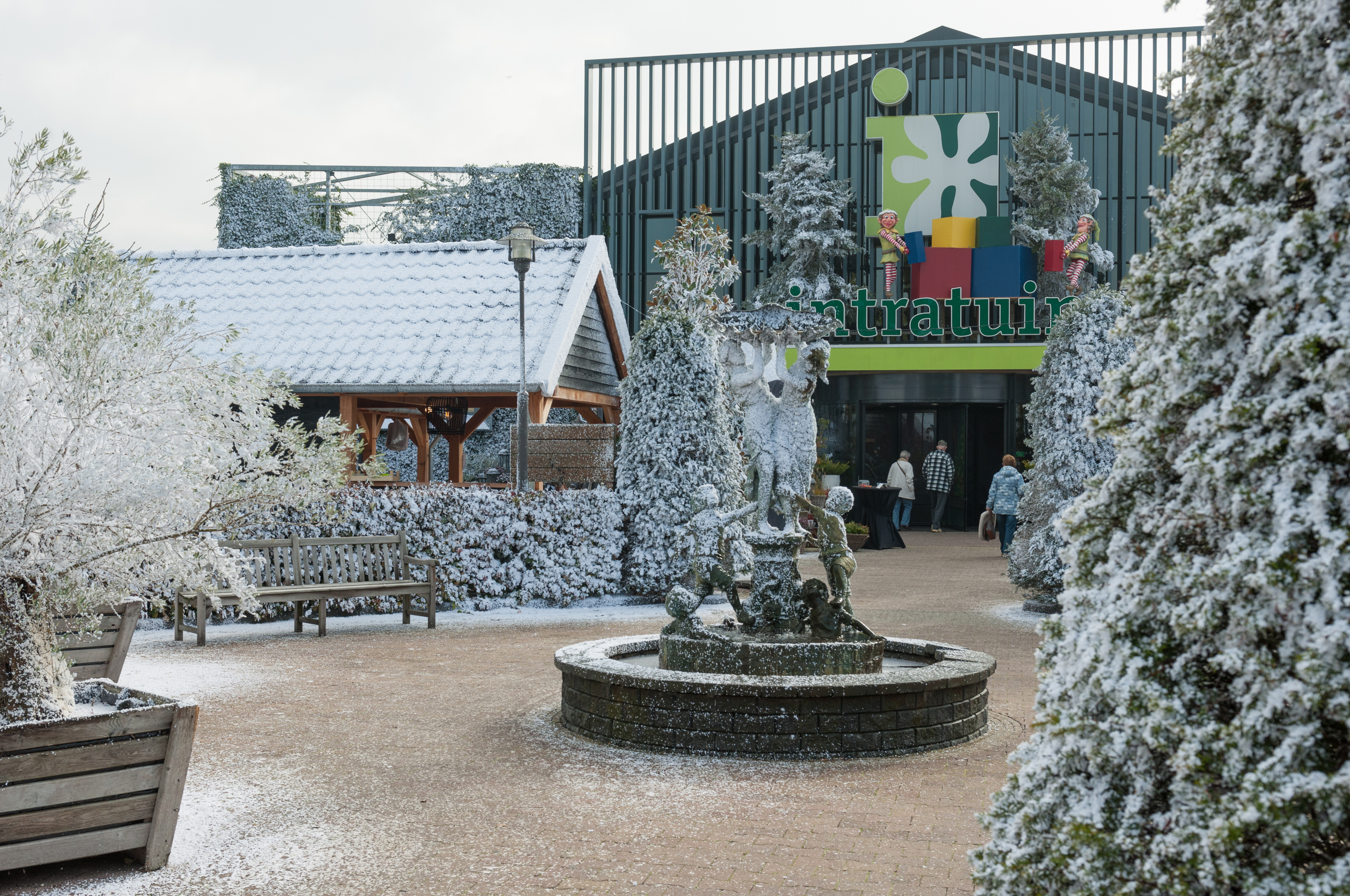 Kerstshow intratuin halsteren 2016 warm winterwonderland for Halsteren intratuin