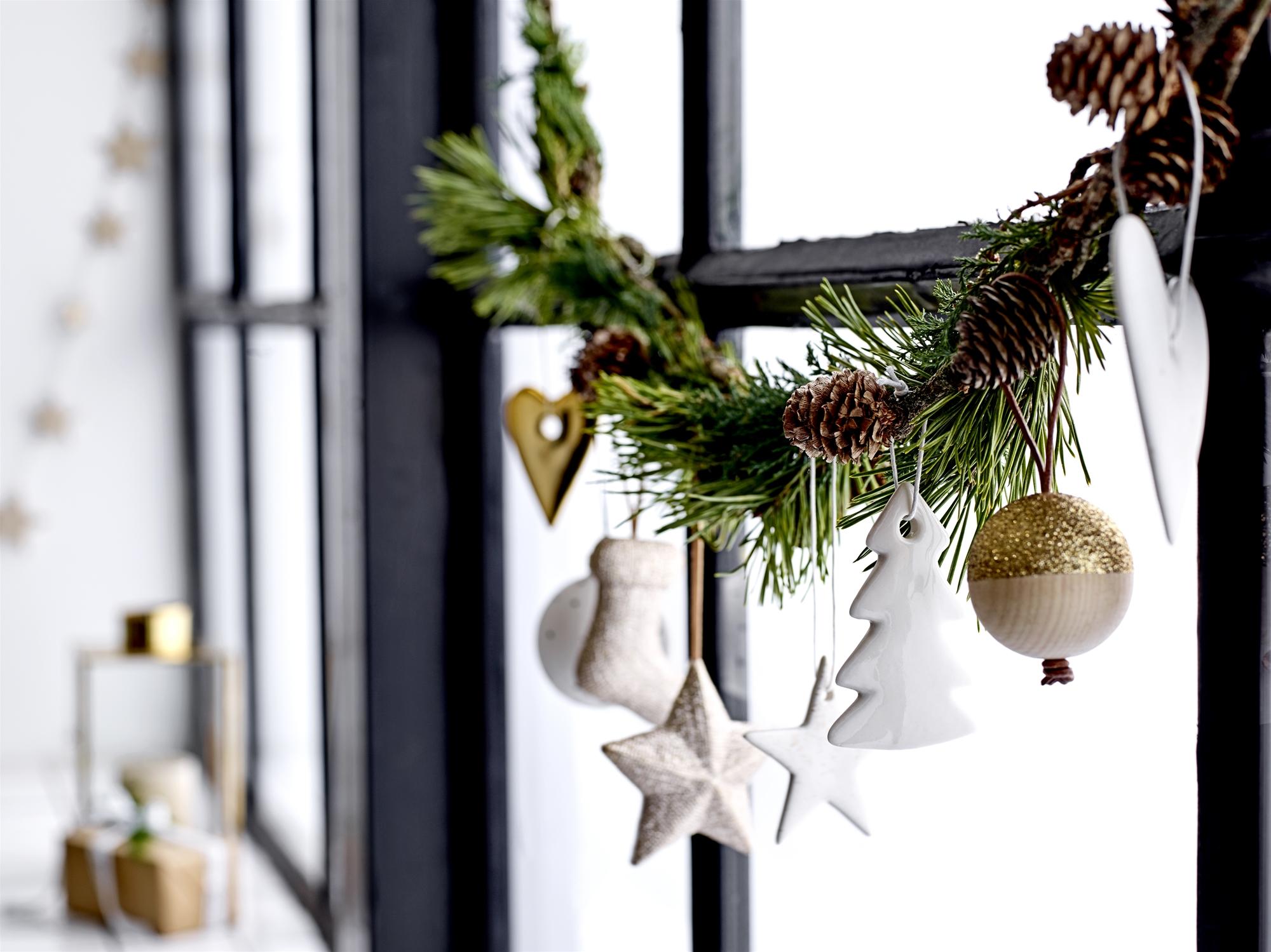 Kerstdecoraties Met Rood : Bloomingville kerstcollectie 2017: minimalistische elegantie