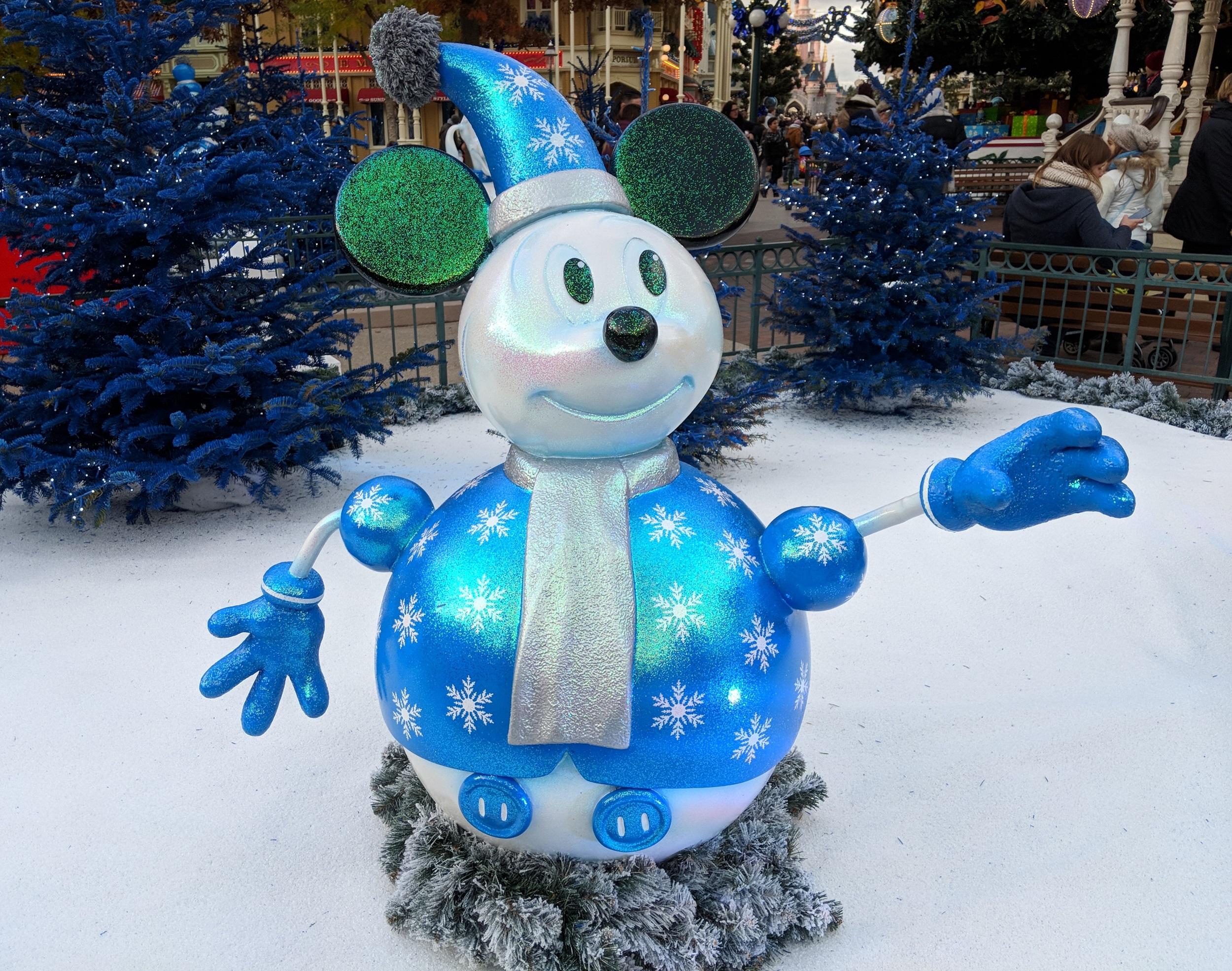 Disneyland Parijs - Kerst 2017 - sneeuwman Mickey