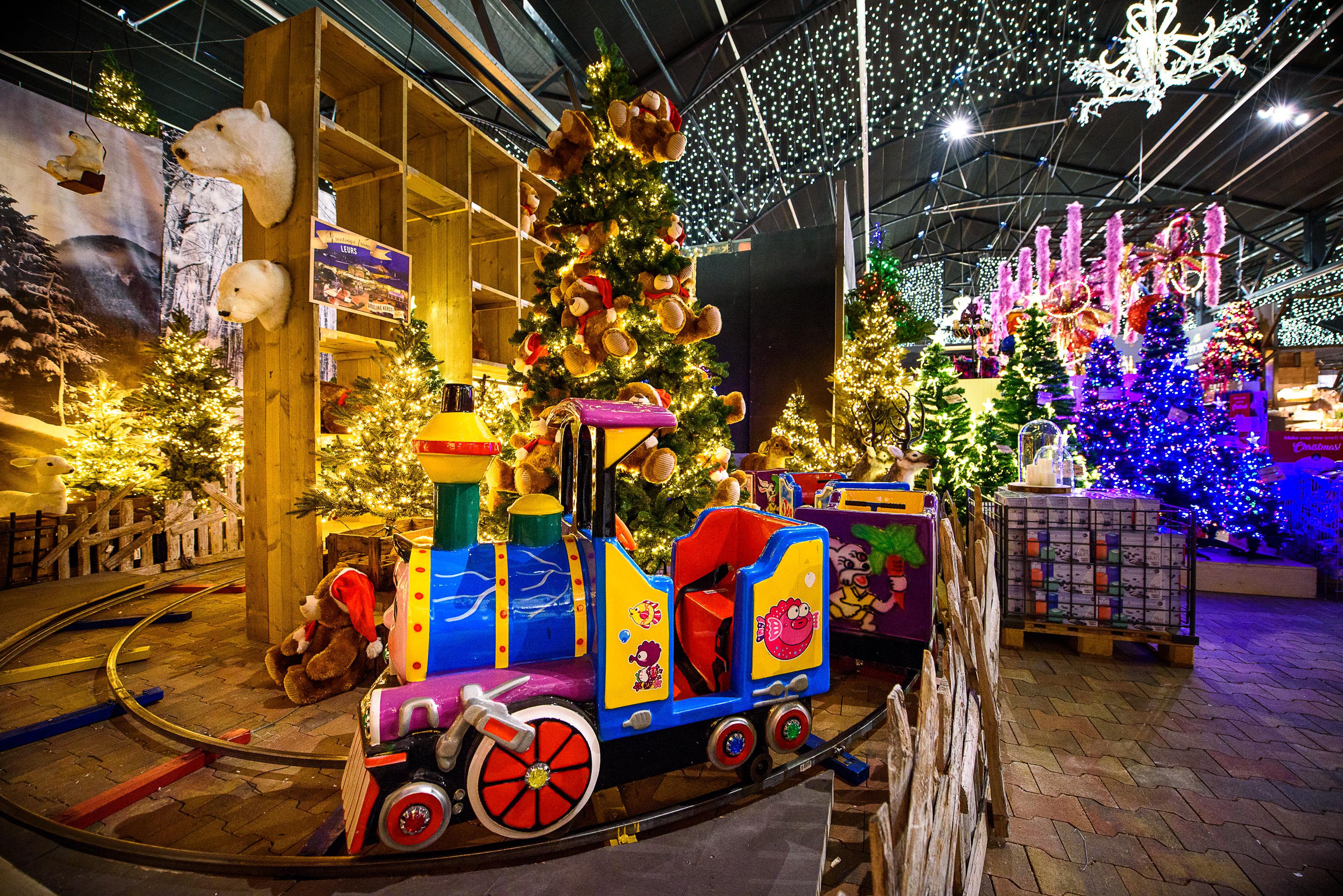 Maak een reis rond de wereld op de kerstshow bij Tuincentrum Leurs - Christmaholic.nl