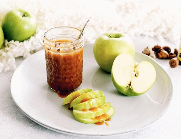 Karamel-zeezoutsaus met appelcider & kaneel