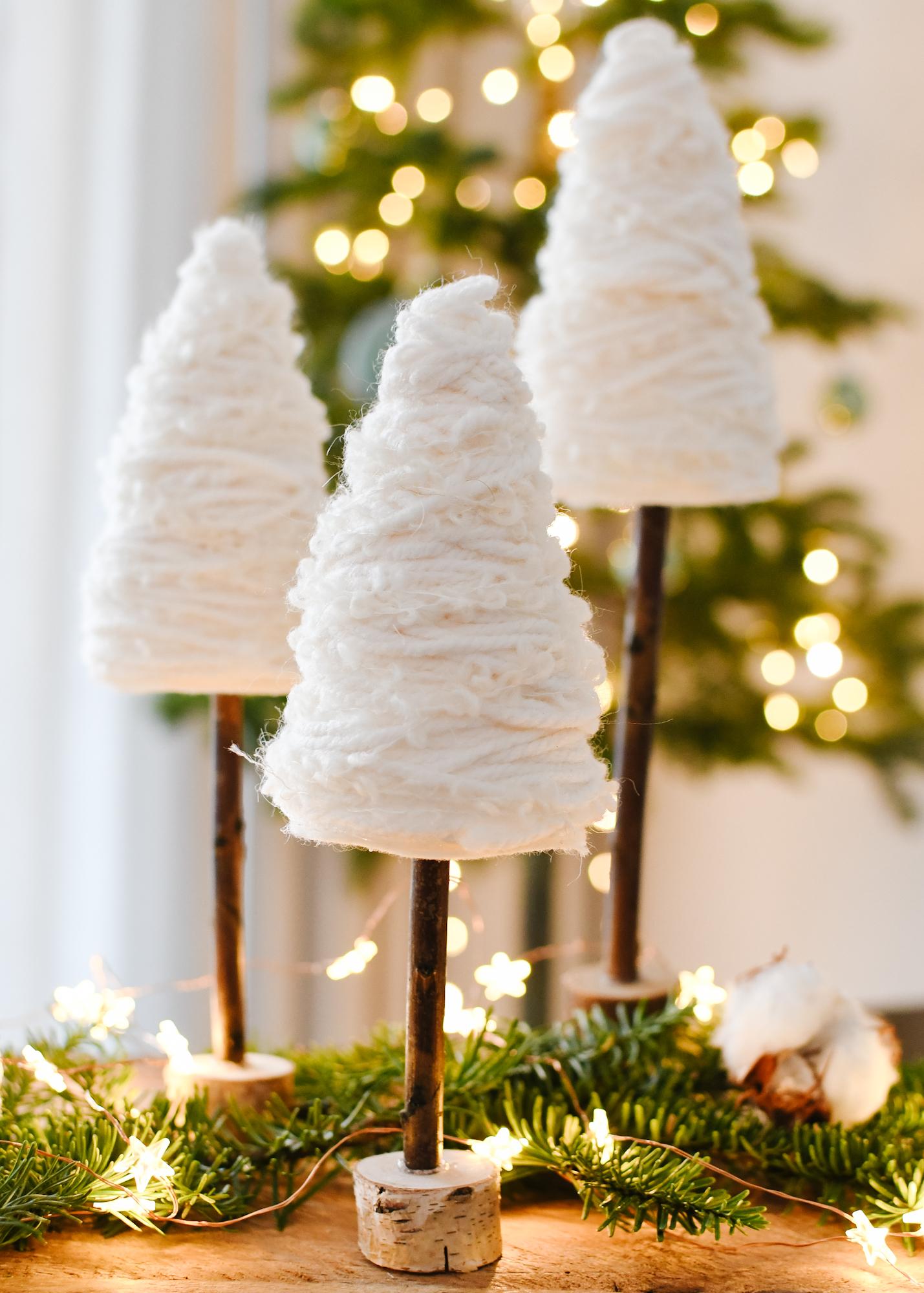 kerstknutselen winterse kerst boompjes maken