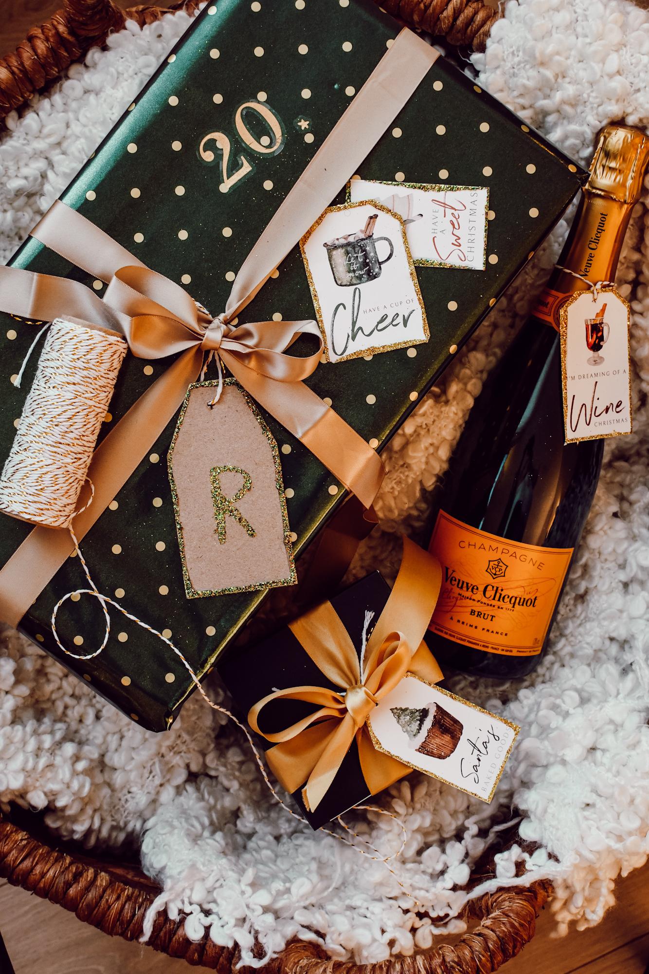 cadeaulabels met glitter versieren voor kerst