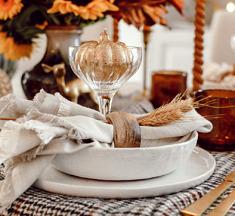 Een sfeervol gedekte herfsttafel – Monthly Favourites